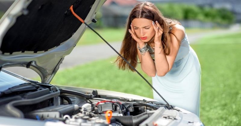 Milyen hang milyen hibára utal az autónkban?