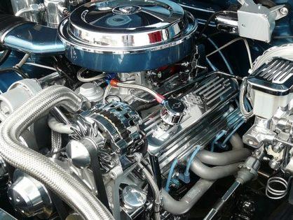 Az autók motorterének tisztán tartása