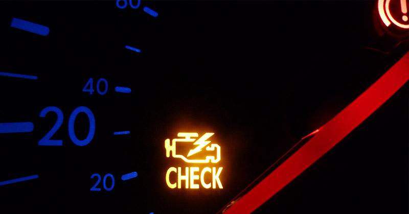 Vezetési szokások, amik kárt tehetnek az autónkban