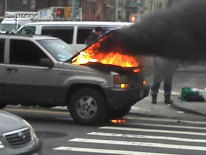 Mit tegyen, ha autója lángra lobban?