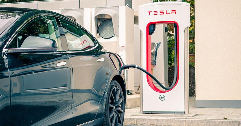 Magyarországra is megérkezett a Tesla