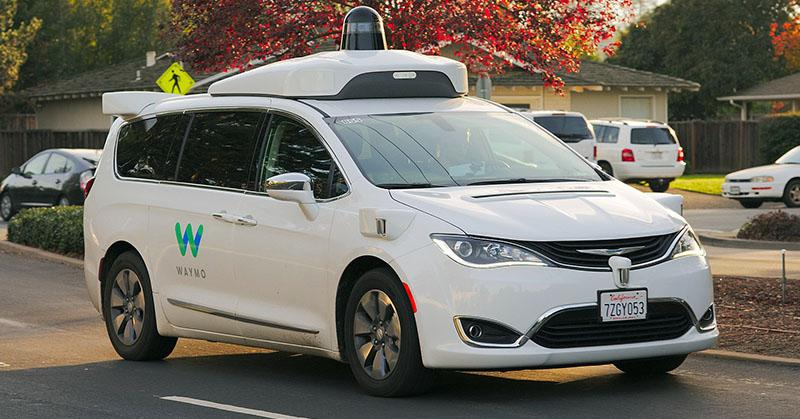Már sofőr nélküli taxit is lehet fogni Amerikában