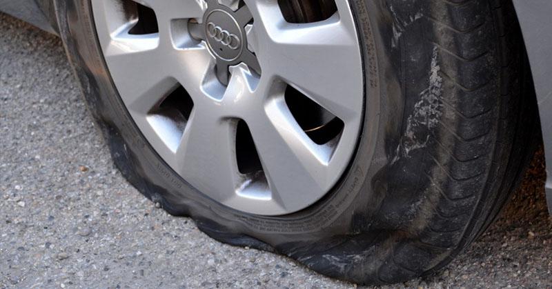 Hogyan cseréljen kereket autóján gyorsan és hatékonyan?