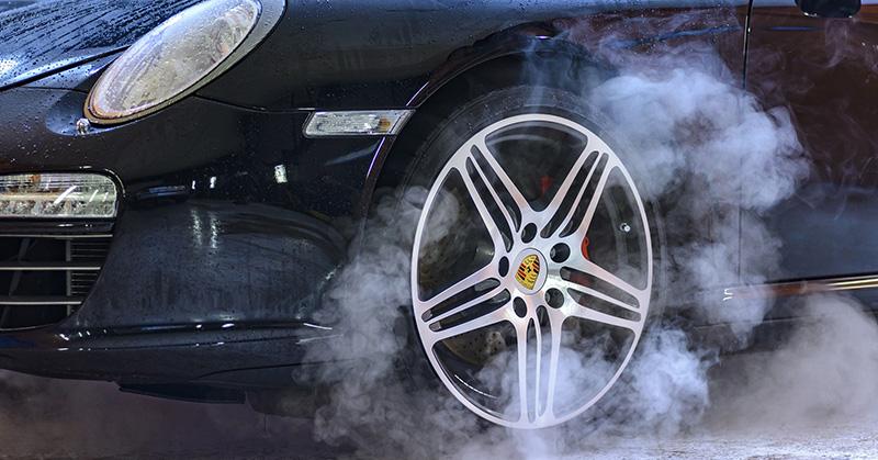 Mi okozhat égett szagot a járműveknél?