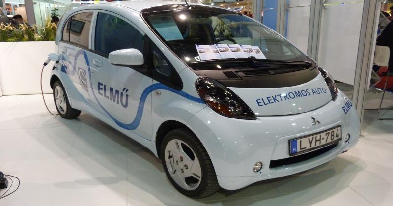 Egyre több magyar vesz tisztán elektromos meghajtású autót