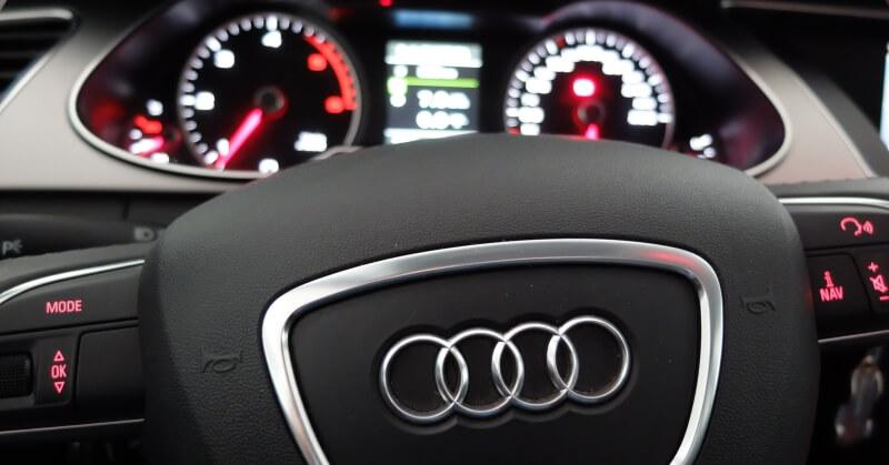Audi kormánya és műszerfala