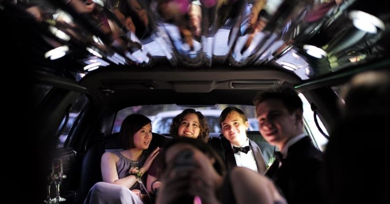 Tűlevél, étel-ital, rongáló részegek - az autót is megviselhetik az ünnepek