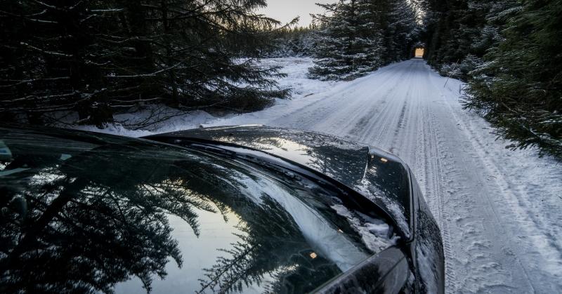 Vezetés nagy hóban