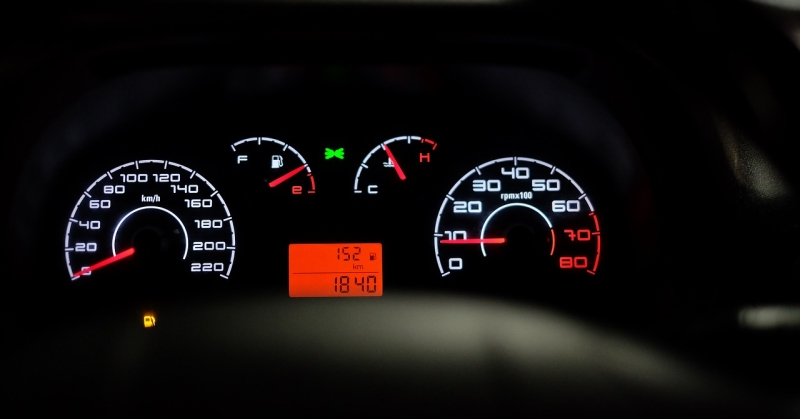 Többet fogyaszt az autó, mint a katalógus szerint? A hiba a mérésben van!