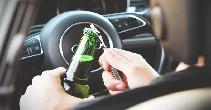 Újévi bulik – mutatjuk, miért nem fér össze a vezetés és az alkohol!