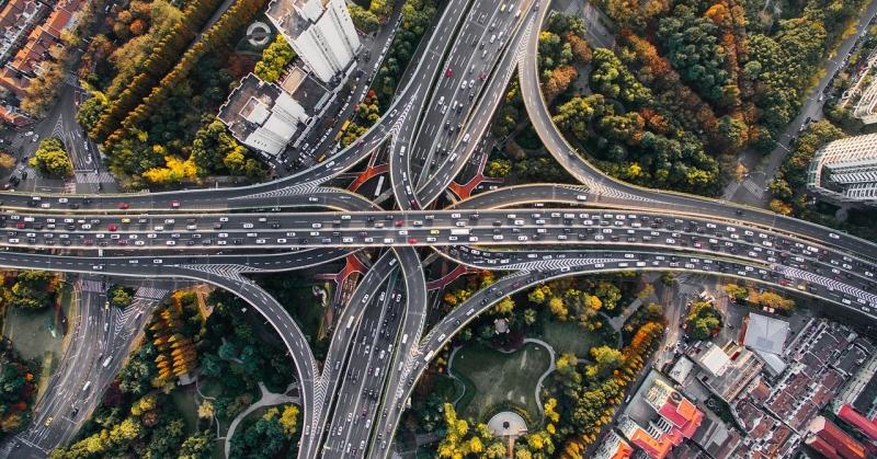 Óriási autós forgalom