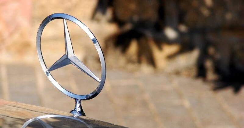 Mercedes jelvény