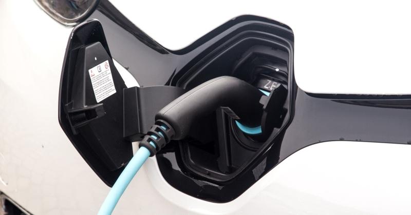 Új szupertöltő: 450 kW, csupán 15 perc a 80% töltöttségig