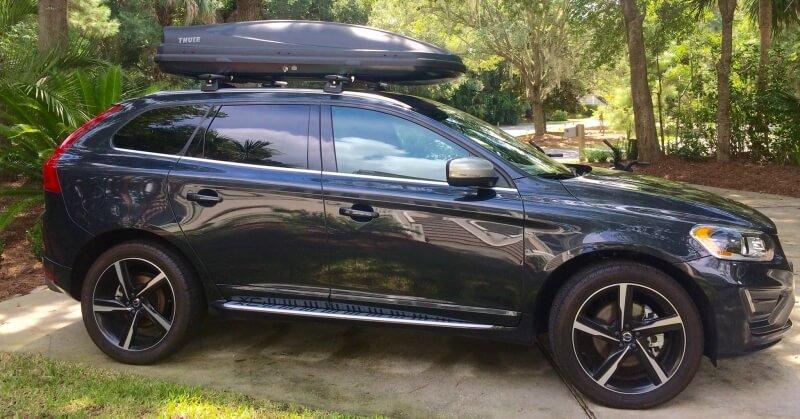 Thule tetőbox egy Volvo terepjárón