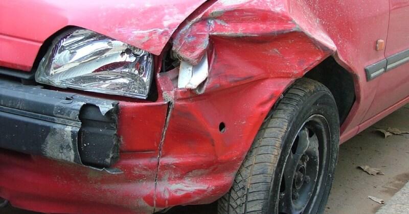 törött kocsi