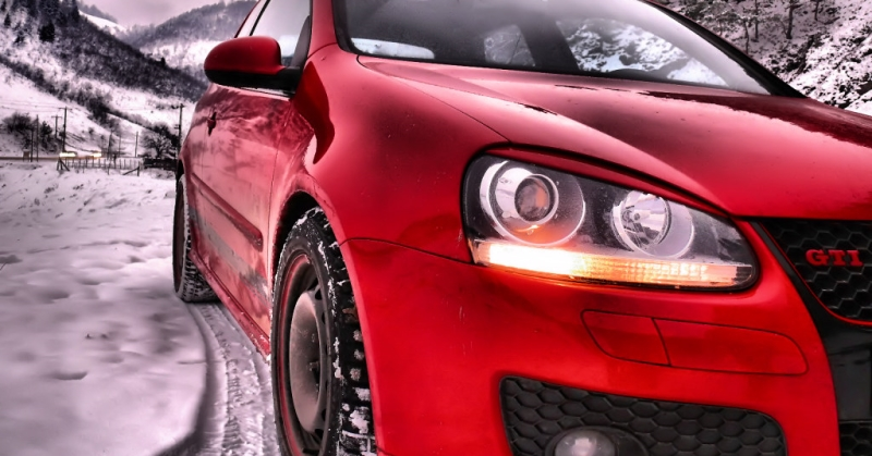 Piros Volkswagen GTI